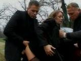 SLečinka dostáva čo pre to od mafiánov - freevideo