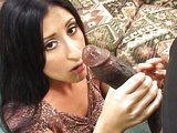 Mohutné čierne péro mizne jedna radosť v jej dierkach - freevideo