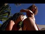Lesbické experimenty s dildami slušných rozmerov - freevideo