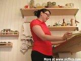 Domáce video s krásne roztiahnutým zadočkom - freevideo