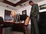 Poctiv� pr�klep sekret�rky v kancel�ri� - freevideo