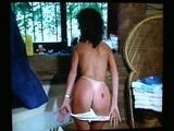 Staršia dáma je vo vani dosť nadržaná - freevideo