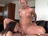 Mamina s dcérkou ponúknu svoje sexy telá - freevideo