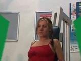 Špeh natočí masturbáciu peknej maminy vo fitku - freevideo