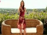 Mirka z Ústia si na záhrade pretiahne mušličku aj zadoček - freevideo