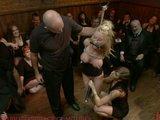 Otrokyňa v pánskom klube - freevideo