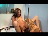 Jenna na dámskych toaletách - freevideo