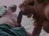 Sestri�ka s nadmern�mi prsiami pretiahnut� na kapote sanitky - freevideo
