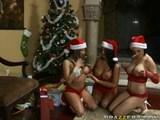 Santa a tri nadržané kurvičky - freevideo