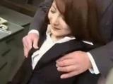 Japonský profesor s malým pinďúrom postrieka svoju vzrušujúcu študentku - freevideo
