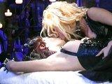Divok� lesbick� hr�tky s vibr�torom na opera�nom stole - freevideo