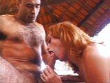 Chudá transka si užíva letný sex v altánku - freevideo