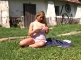 Dedinsk� devka zneu�it� a potom pon�en� zlat�m da��om - freevideo