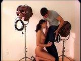 Mladučká modelka Lucka poslušne fajčí hrubý šulin - freevideo