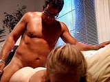 Svalnatý borec ojede kundičku mladej chlípnej lolitky - freevideo
