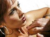 Prekrásne prsia chlípnej paničky ošukané a postriekané - freevideo