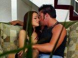 Roskošná ryšavka v podväzkoch podrží svojmu milencovi - freevideo