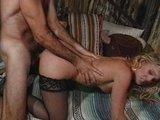 Nadržaný manžel poriadne vymrdá svoju atraktívnu choť - freevideo