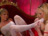 Mrduchtivé lesbičky sa ukájajú bolesťou - freevideo