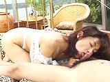 Poslušná japonská dievčina s dávkou semena na tváričke - freevideo