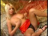 Blond anjelik si poriadne prevetrá svoj klitorisík - freevideo