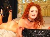 Ryšavá sexbomba si dráždi každučký kúsok tela - freevideo
